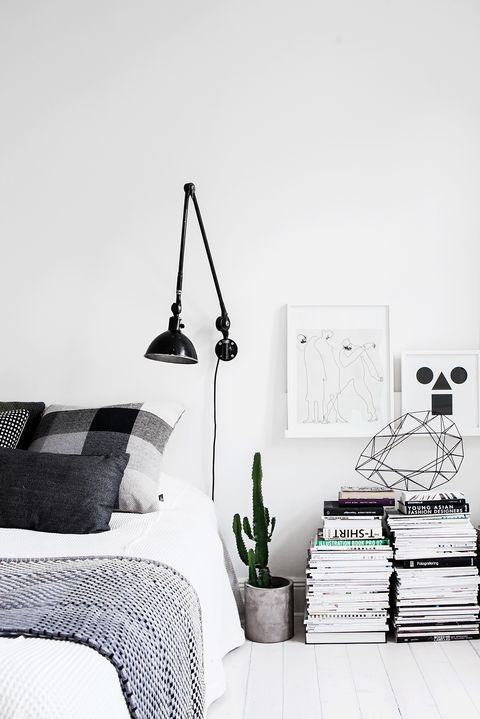 33 Minimalist Bedroom Ideas and Design Tips - Budget-Friendly Minimalism