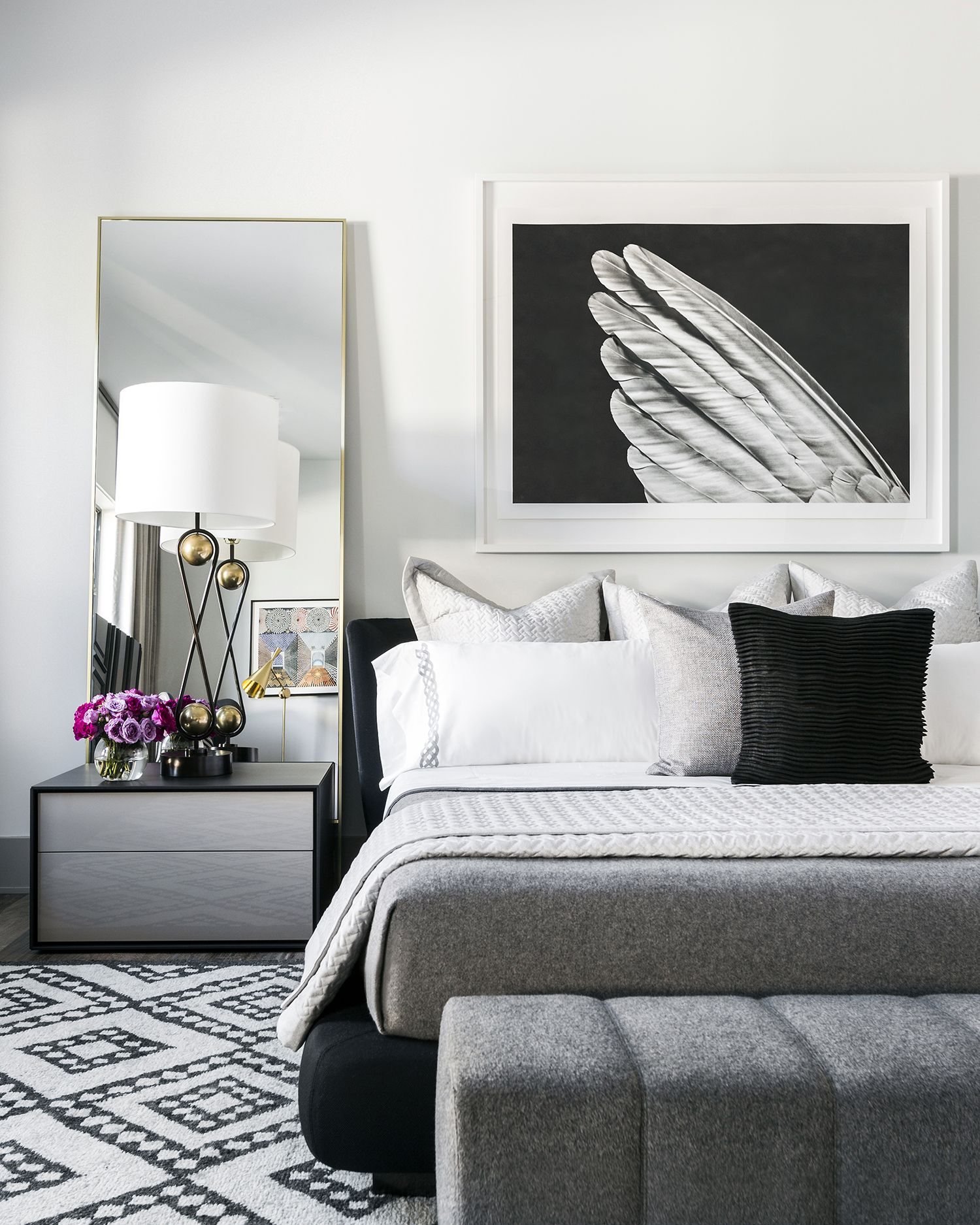 black-white-bedrooms & 36 Black \u0026 White Bedrooms - Photos and Ideas for Bedrooms with Black ...
