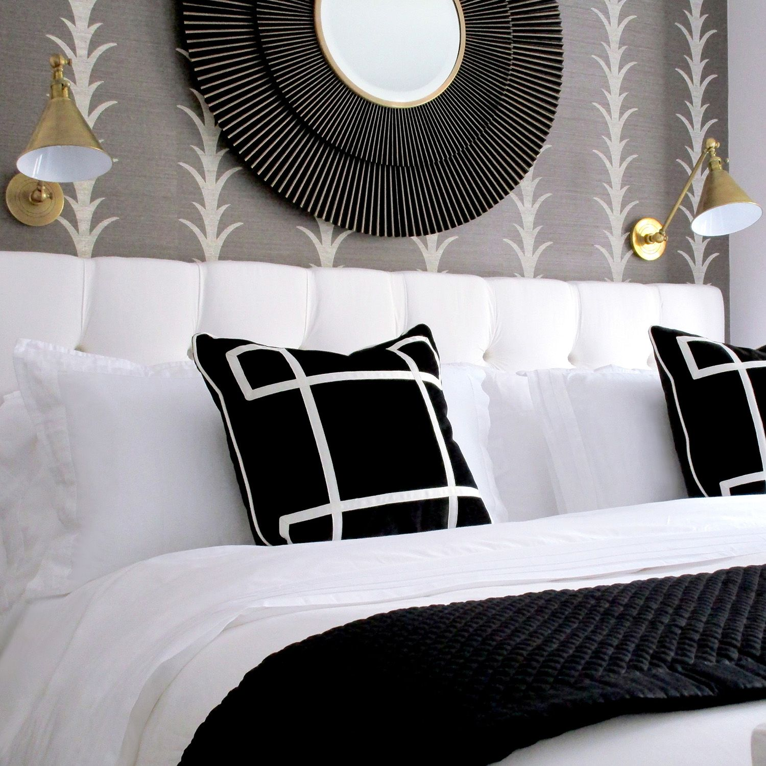 black-white-bedrooms