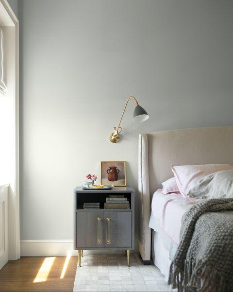 benjamin moore reveals 2019 color of the year is metropolitan af 690. Black Bedroom Furniture Sets. Home Design Ideas