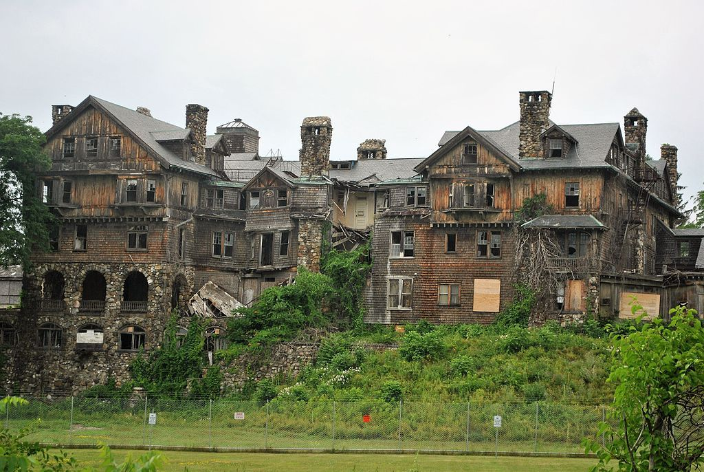 10 Creepy Abandoned Mansions Expensive Abandoned Houses