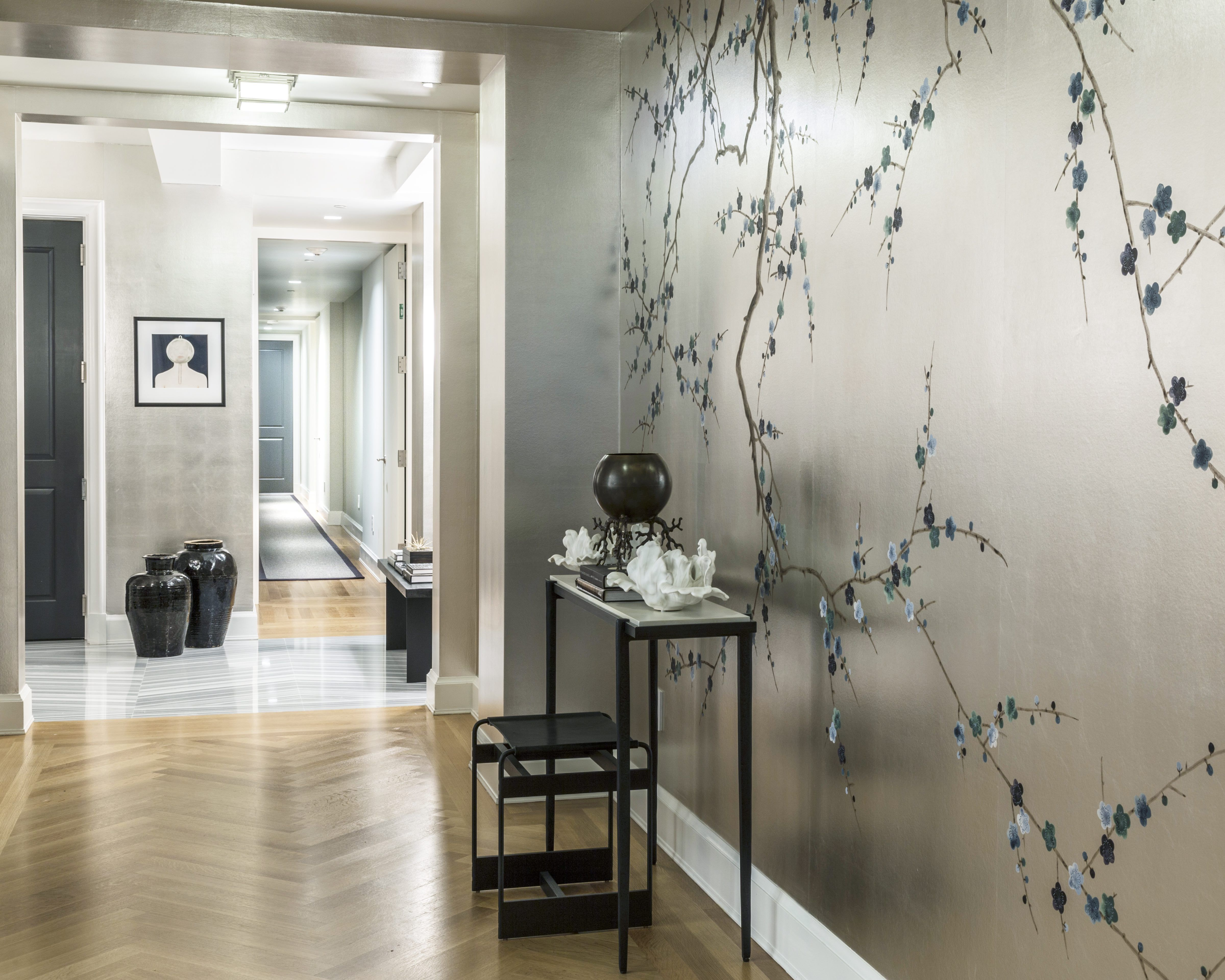 24 Wallpapered Foyers For A Gorgeous Home Entrance