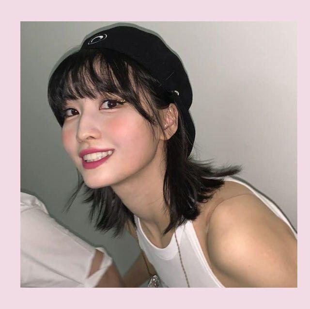 韓国セレブの間で定番となっている小物と言えば、ベレー帽。k popアイドルの衣装としてはもちろん、私服でも人気のアイテムなんです。今回は、シンプルなスタイルに取り入れるだけで、今注目のレトロなムードになれるベレー帽ルックをお届け。コーディネートはもちろん、ヘアスタイルも参考にしてみて!