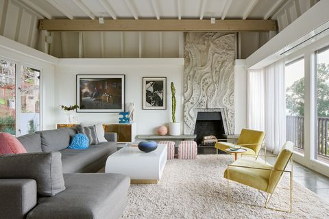 Living room, Room, Interior design, Furniture, Property, Building, House, Home, Coffee table, Ceiling,
