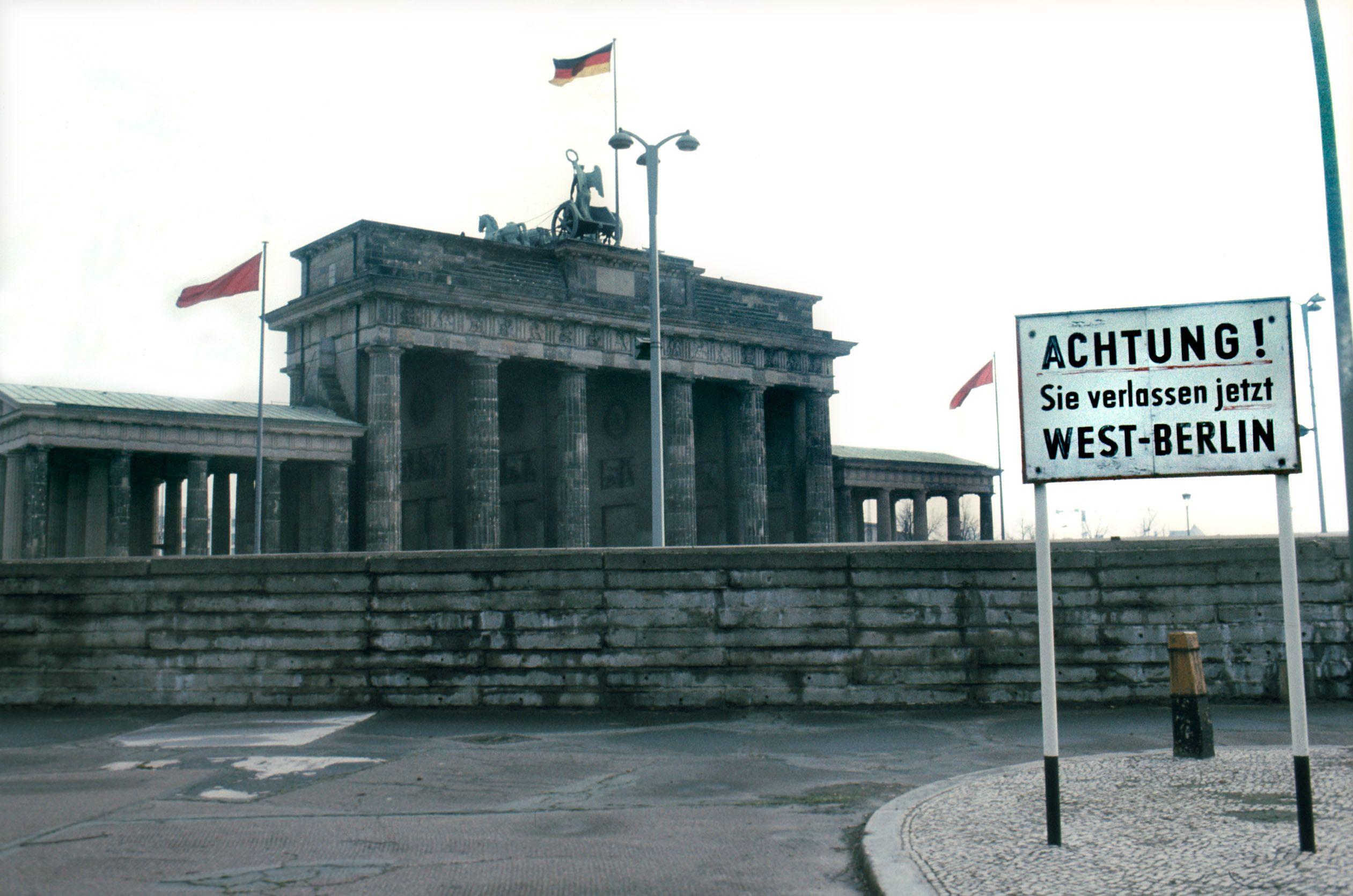 9 Ingenious Smuggling Machines That Beat the Berlin Wall