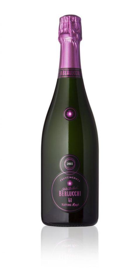 Drink, Alcoholic beverage, Bottle, Champagne, Wine, Liqueur, Alcohol, Sparkling wine, Glass bottle, Distilled beverage,