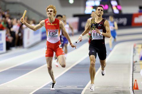 bernat erta llega a meta en la final del relevo 4x400m del europeo de atletismo en pista cubierta de glasgow 2019