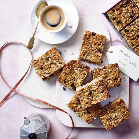 berry granola flapjacks
