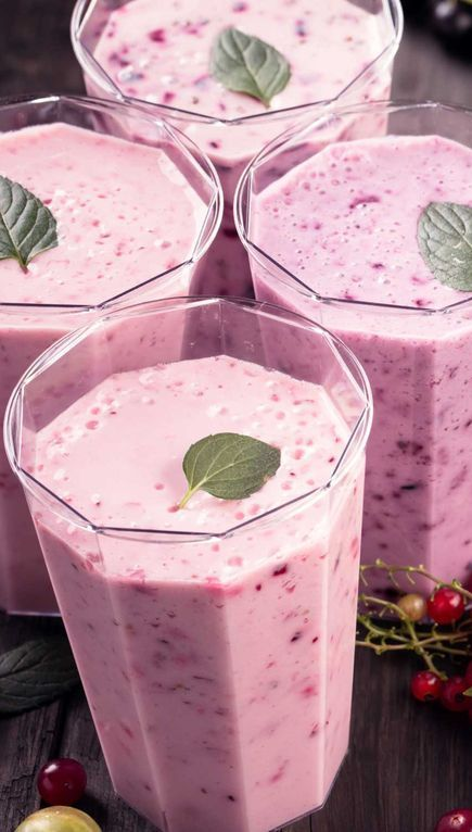 Jillian Michaels' Berry Vanilla Smoothie Recipe