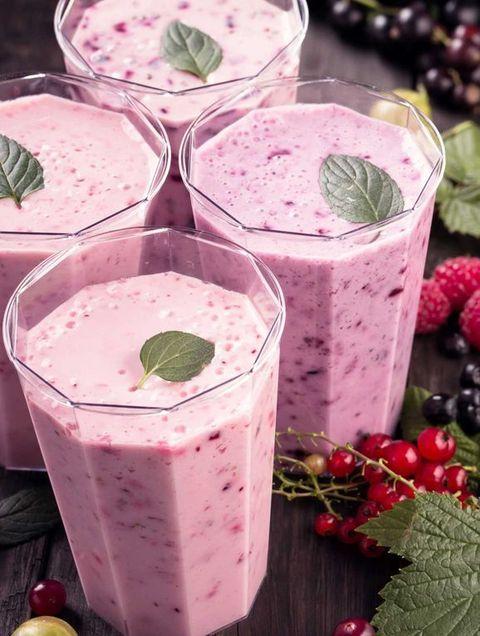 Food, Smoothie, Health shake, Drink, Blackberry, Milkshake, Berry, Vegetable juice, Ingredient, Vispipuuro,