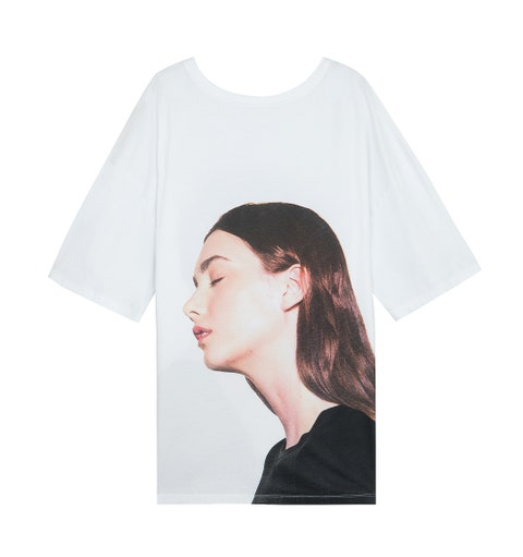 White, Clothing, Sleeve, T-shirt, Head, Beauty, Neck, Outerwear, Headgear, Top,