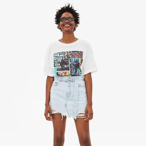 Clothing, White, Shoulder, Fashion model, Fashion, T-shirt, Waist, Shorts, Denim, Joint,