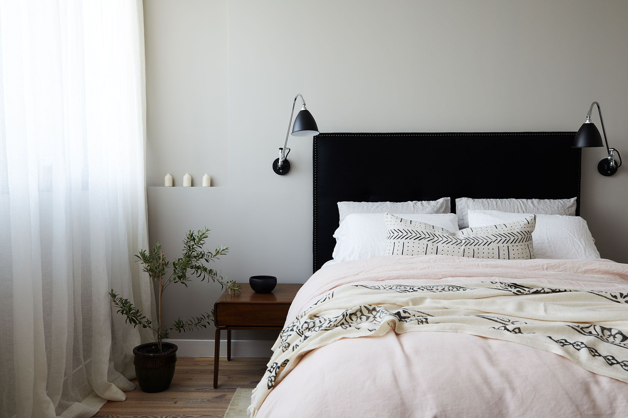 25 Best Gray Bedroom Ideas - Decorating Pictures of Gray Bedroom Design
