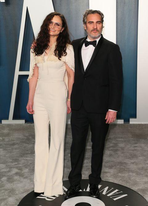Joaquin Phoenix con su hermana Rain en la fiesta de Vanity Fair
