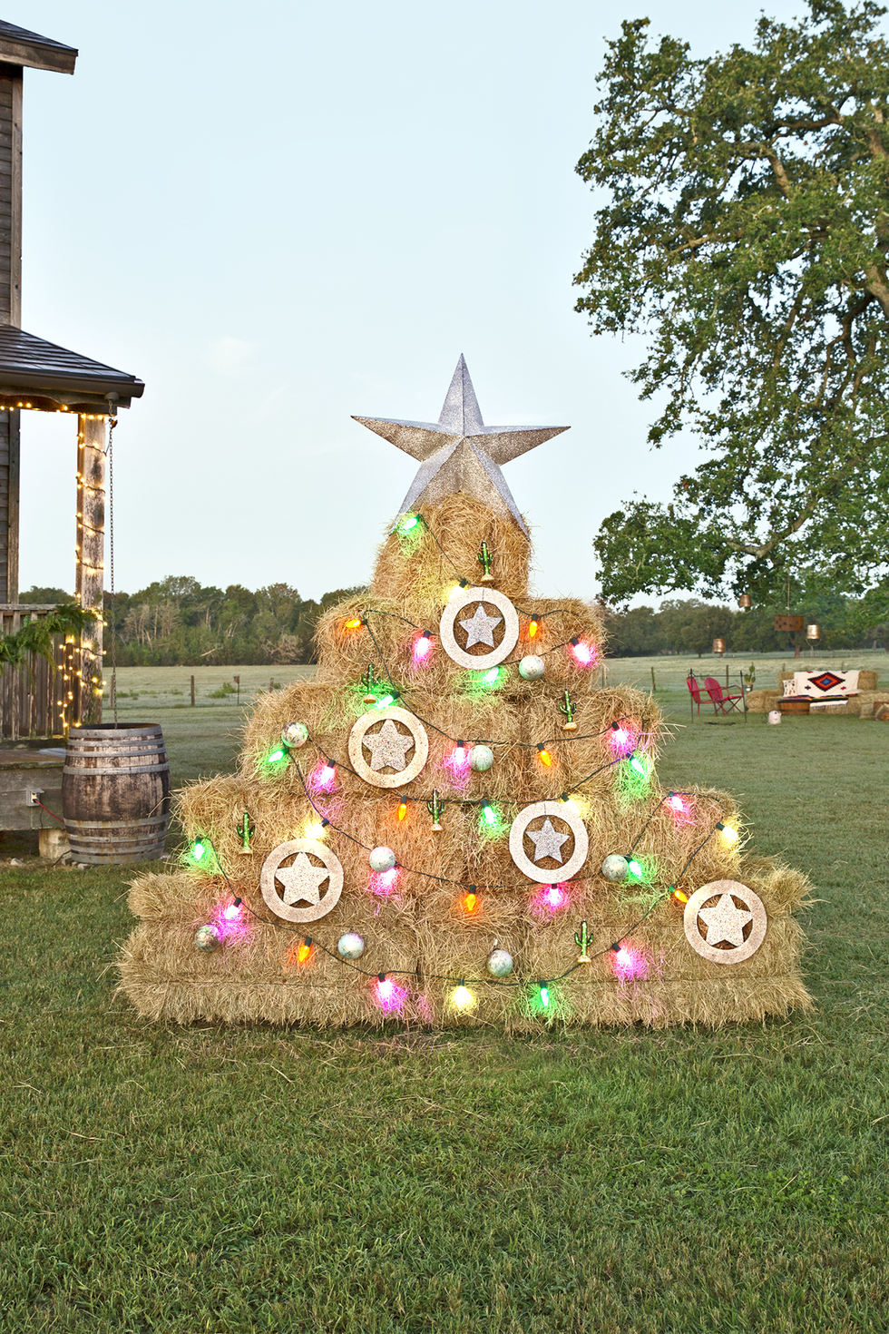 27 Best Alternative Christmas Trees Made for Modern Holiday Décor