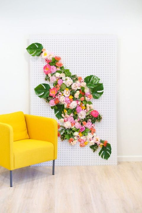 best-baby-shower-ideas-floral-backdrop