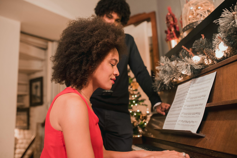 36 Best Christian Christmas Songs Christmas Hymns For Peace