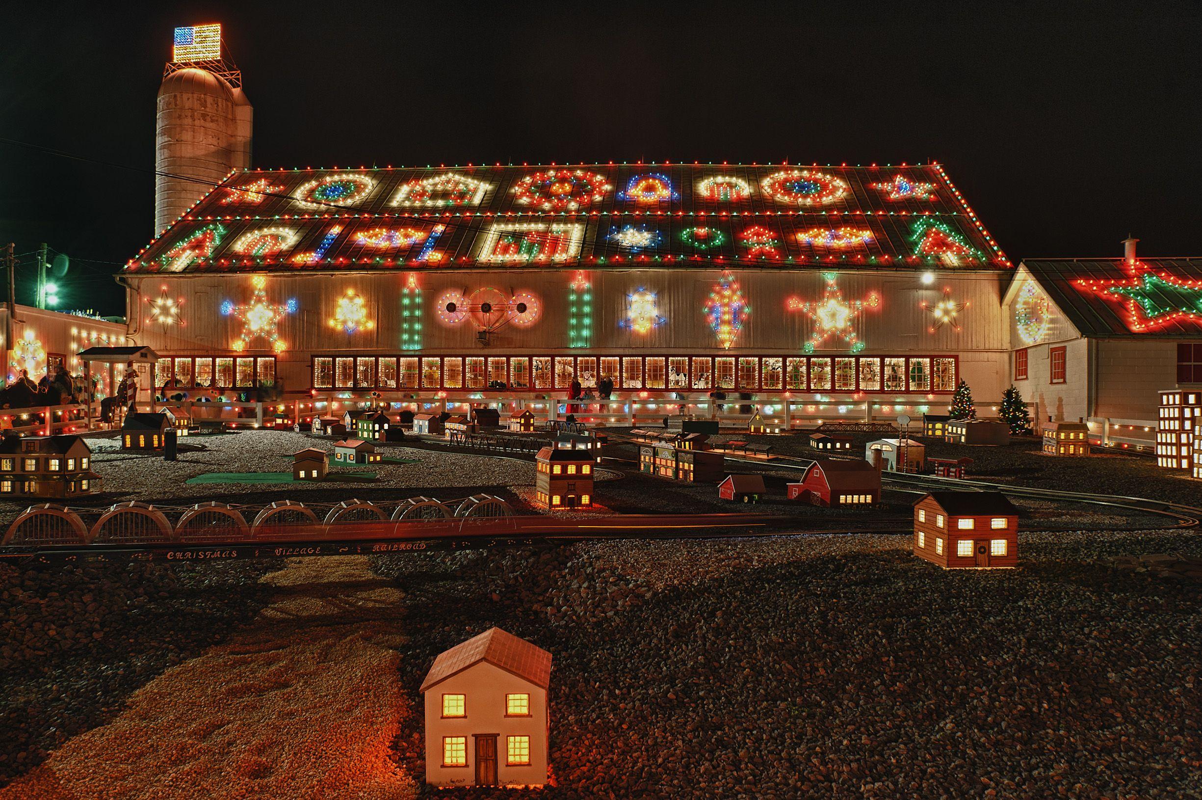 Best Christmas Light Displays Near Me Mn 2021 38 Best Christmas Light Displays In The U S Holiday Light Shows Near Me