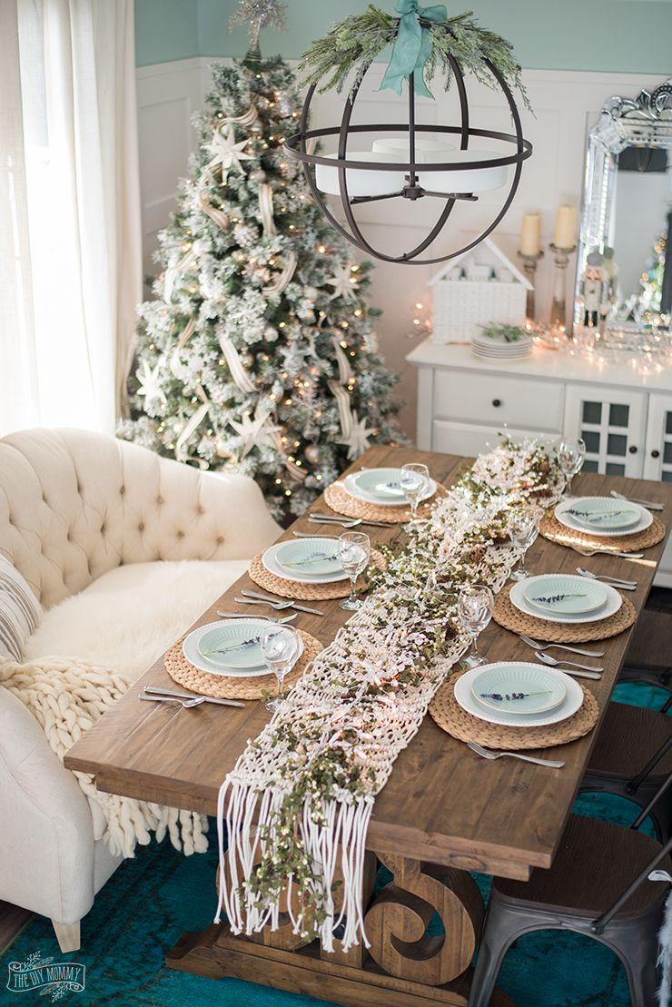 best christmas table settings centerpieces lights mistletoe