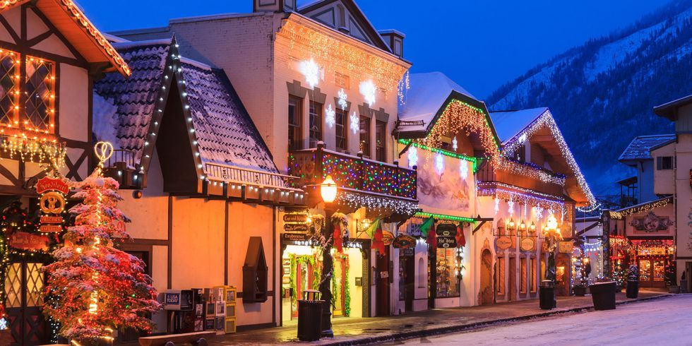 25 Best Christmas Towns in USA - Best Christmas Towns in America