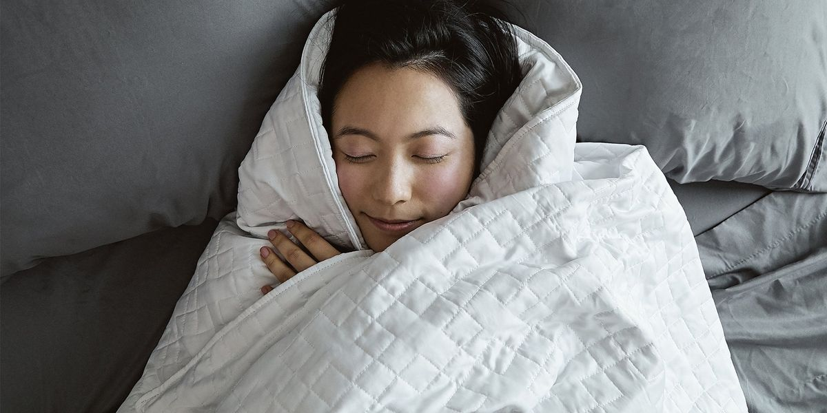 13 Best Cooling Weighted Blankets If You Sleep Hot In 2021