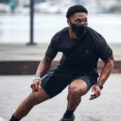deonte harris running drills wearing under armour black sports mask