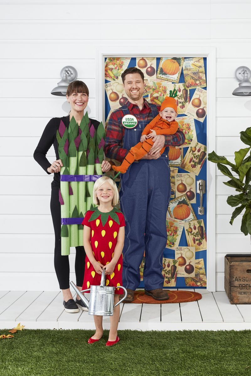 20 Best Family Halloween Costume Ideas , Family of 3