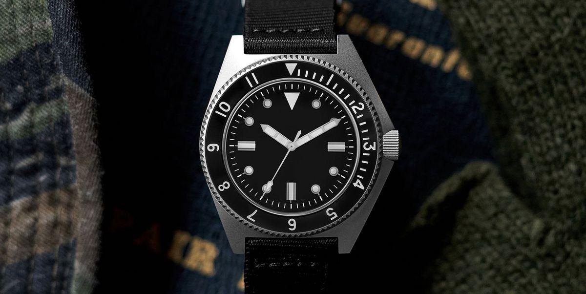 best field watches under 2 5k lead 1615329848 jpg?crop=1 00xw:0 753xh;0,0 127xh&resize=1200:*.