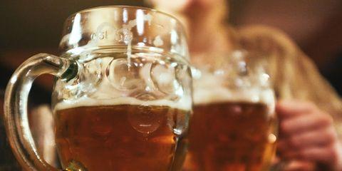 Beer glass, Drink, Alcoholic beverage, Beer stein, Beer, Distilled beverage, Hot buttered rum, Drinkware, Alcohol, Mug,