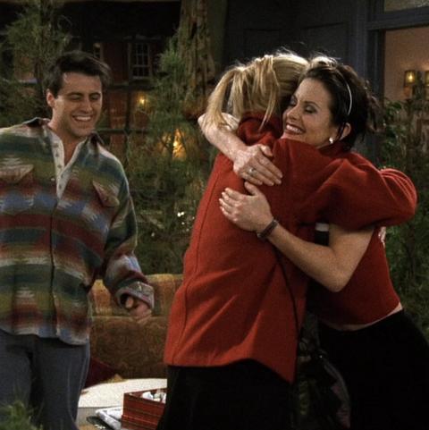 "best 'friends' christmas episodes   season 3, episode 10 ""the one when rachel quits"""