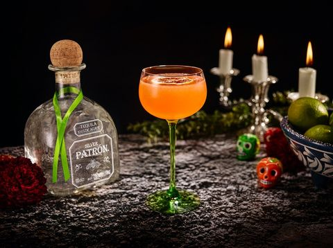 halloween cocktails   29 easy halloween cocktail recipes