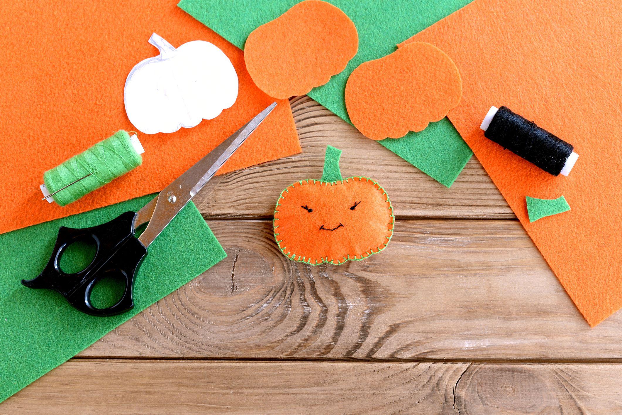 40 Easy Halloween Crafts for Kids , Fun DIY Halloween