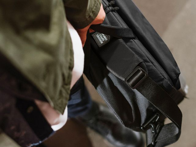 1749694e2b 8 Best Messenger Bags for Men in 2018 - Stylish Mens Messenger Bags