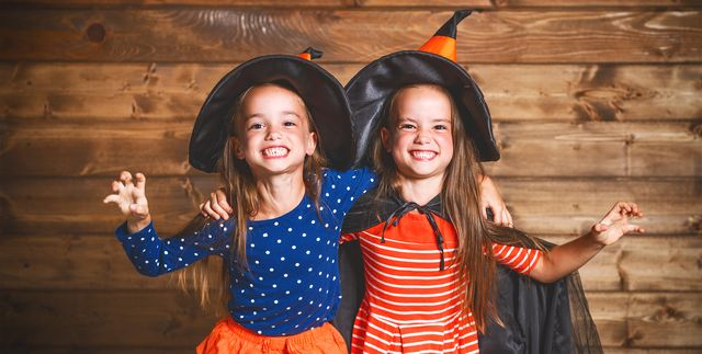 19 Best DIY Sister Halloween Costumes That You'll Both Think Are Fabulous