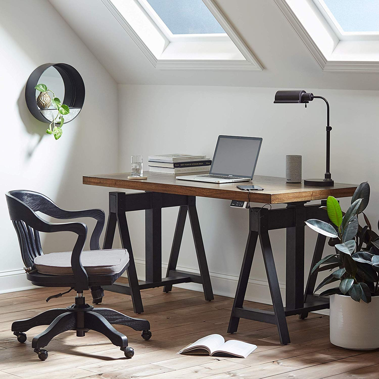 Image of: 16 Best Desks For Small Spaces Computer Desks For Small Spaces With Storage