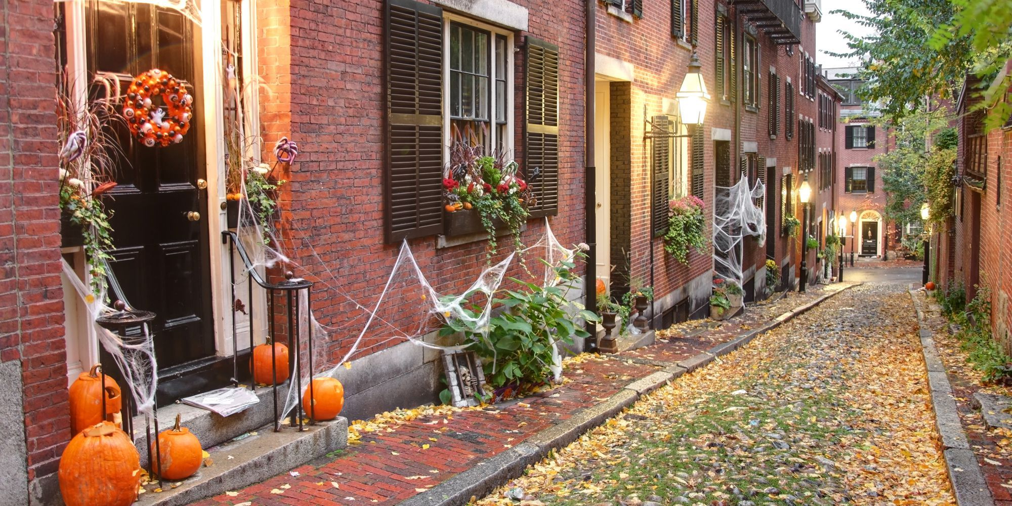 the best small towns in america for halloween - best places to