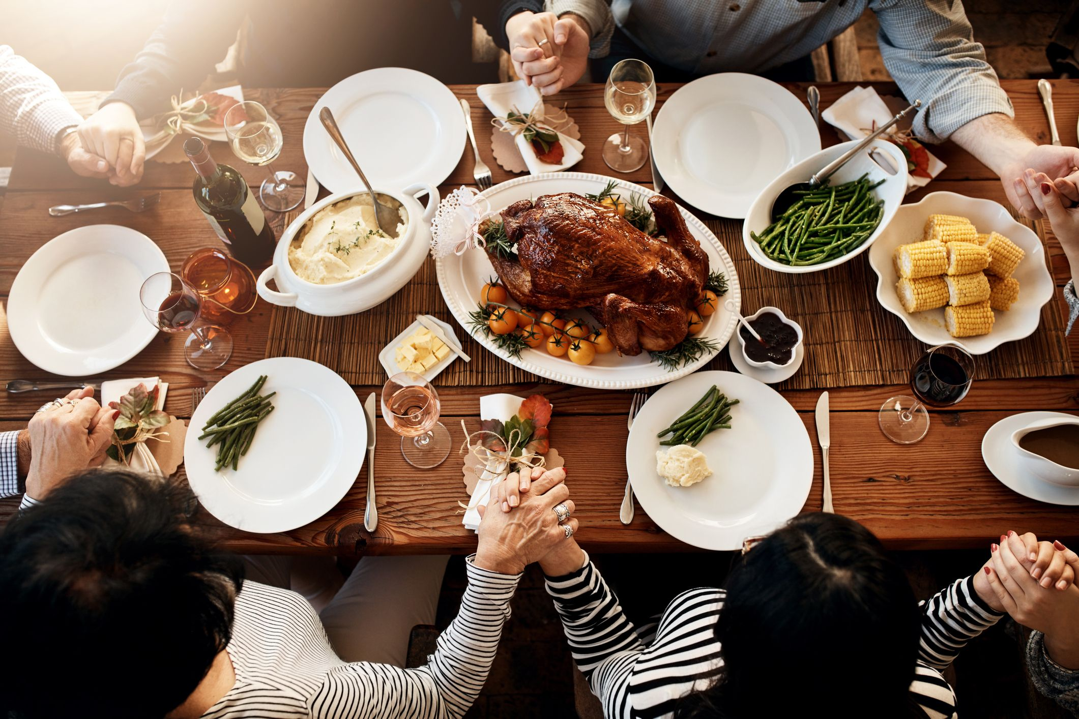 20 Best Thanksgiving Traditions to Try With Your Family This Year