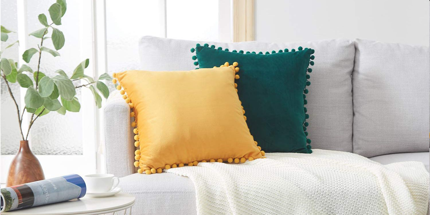 Picture of: The 15 Best Throw Pillows You Can Buy On Amazon 2019