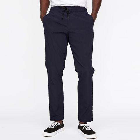 Clothing, Jeans, Pocket, Denim, Trousers, Suit trousers, Sportswear, Standing, sweatpant, Leg,