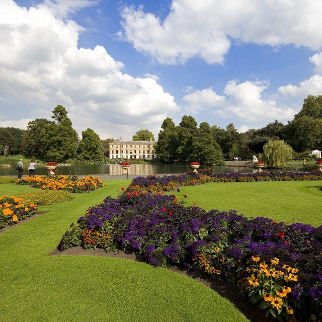 best uk gardens to visit this summer