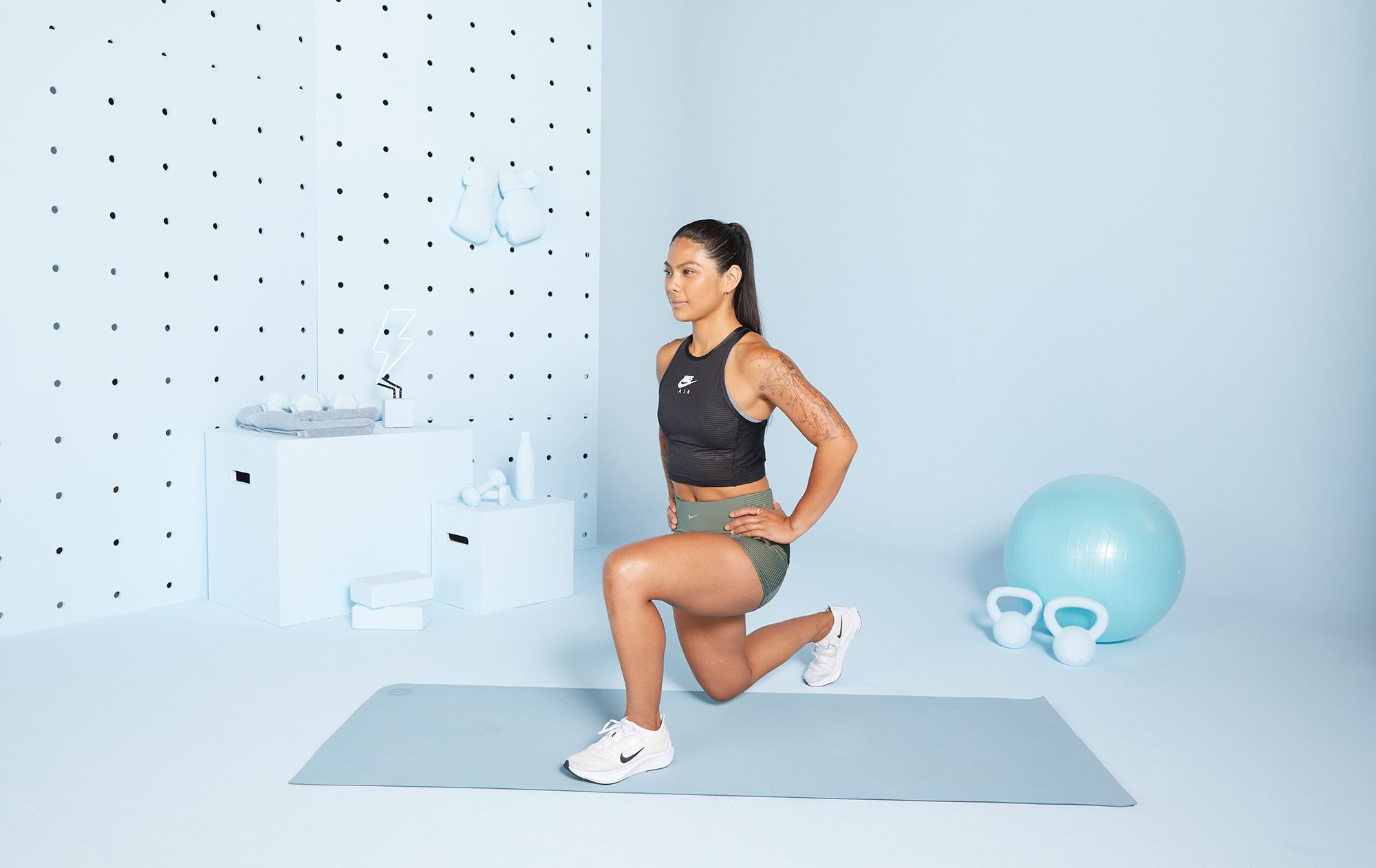 A 15 Minute Workout To Sculpt Your Legs And Abs