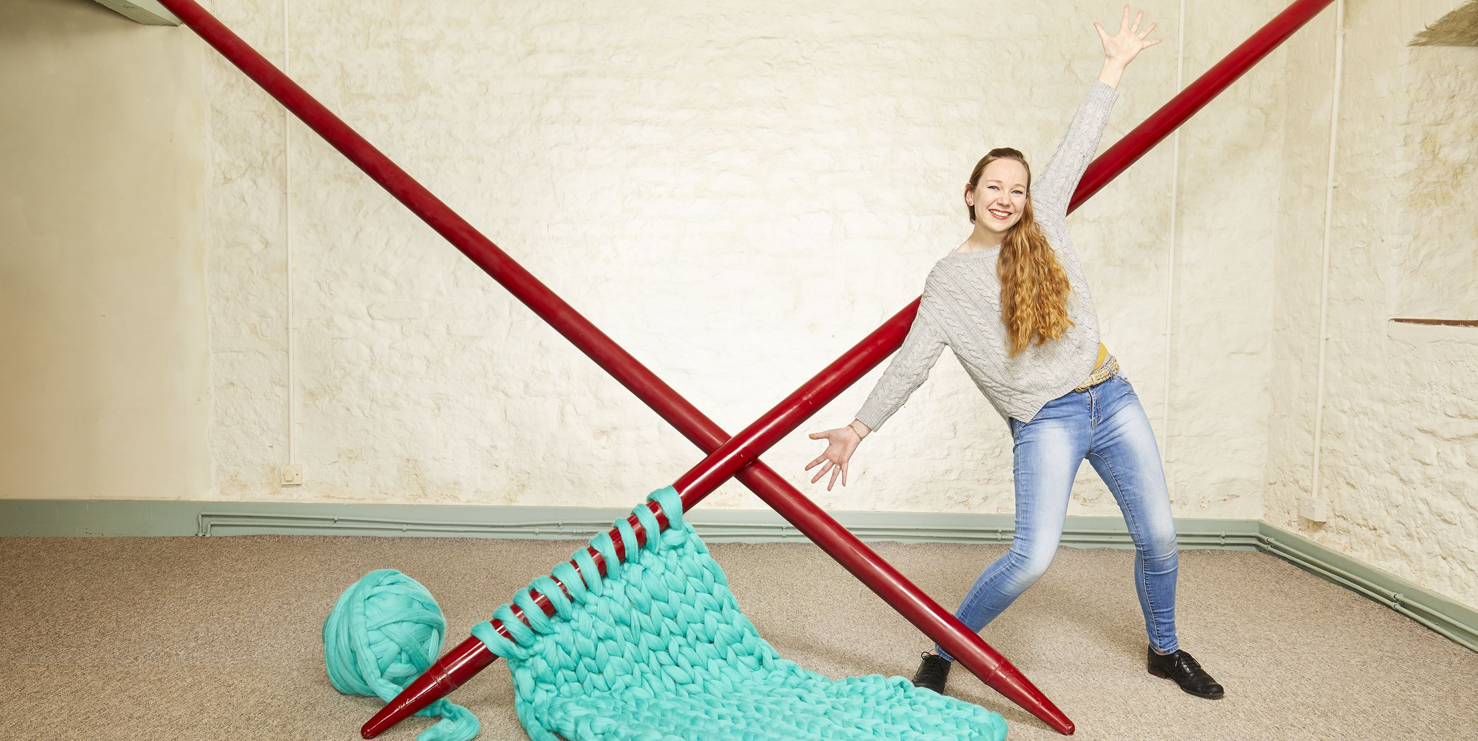 This Art Student broke the Guinness World Record for largest knitting needles