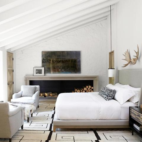 Furniture, Room, Living room, Interior design, Wall, Property, Bedroom, Floor, House, Building,