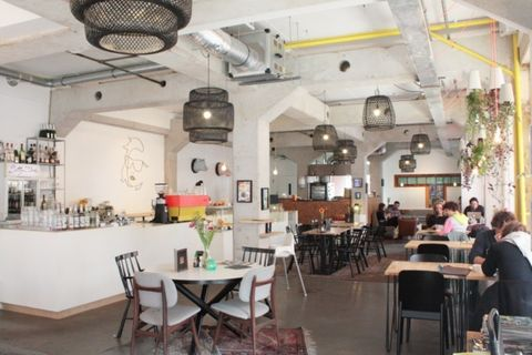 Restaurant, Building, Interior design, Café, Room, Ceiling, Cafeteria, Furniture, Table, Coffeehouse,