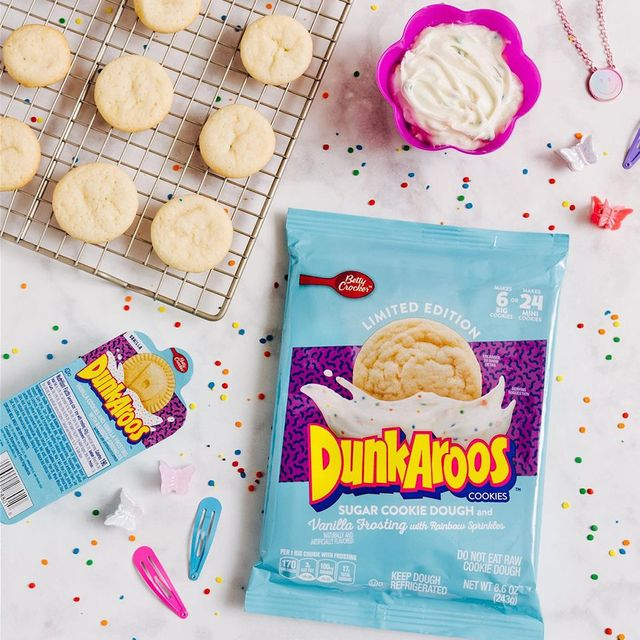 betty crocker dunkaroos sugar cookie dough with vanilla frosting and rainbow sprinkles