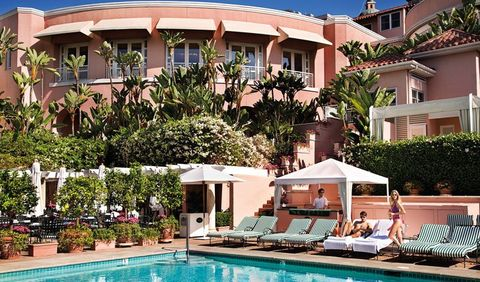 Building, Resort, Swimming pool, Property, Real estate, House, Hotel, Villa, Vacation, Apartment,