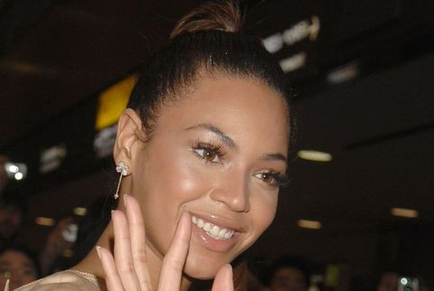 Beyonce Arrives in Tokyo for Her Tour in Japan - April 9, 2007