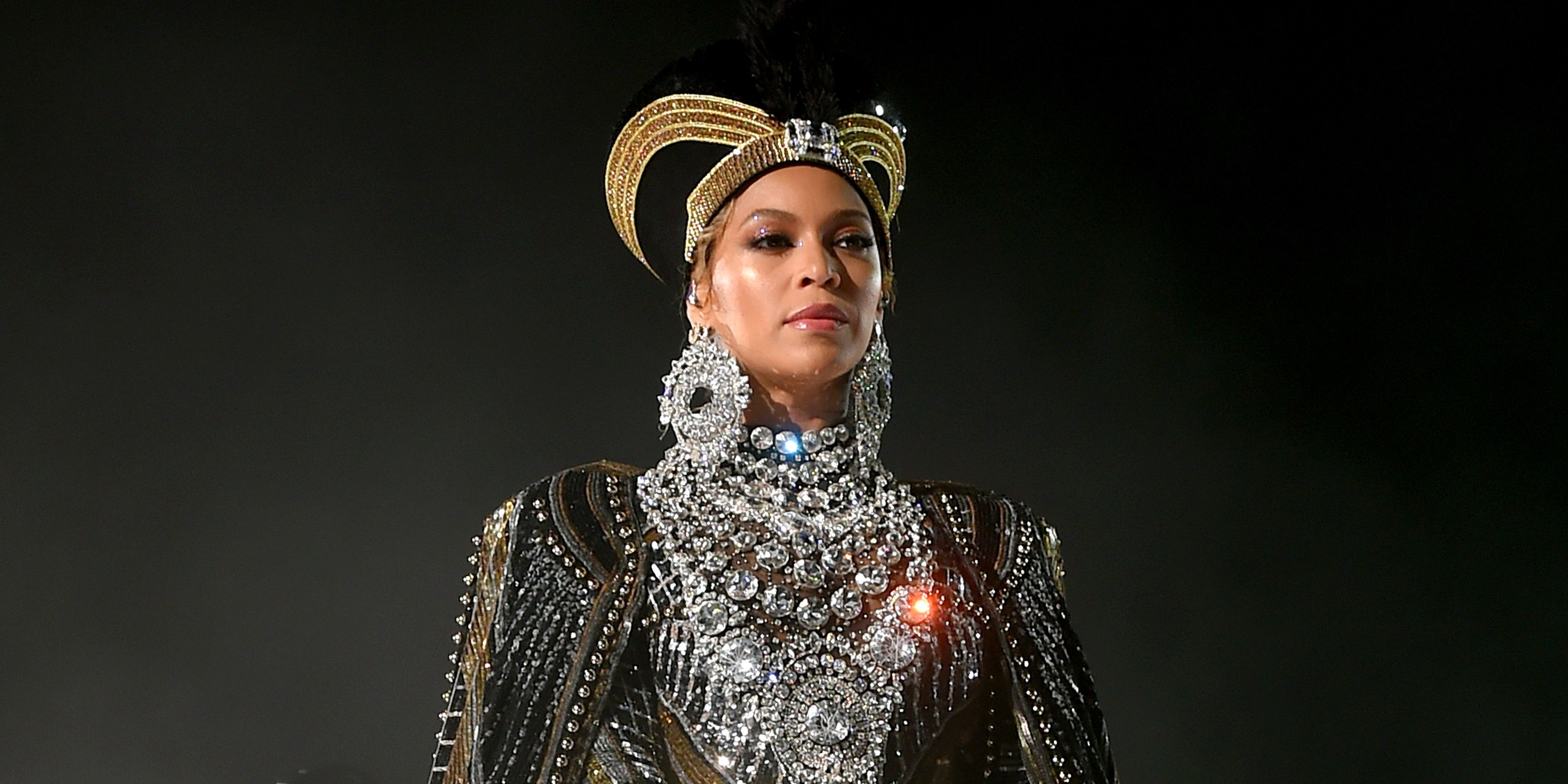 Watch Beyonce S Coachella 2018 Wardrobe Malfunction Beyonce S