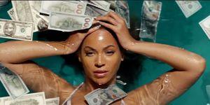 Beyoncé zwemt in geld