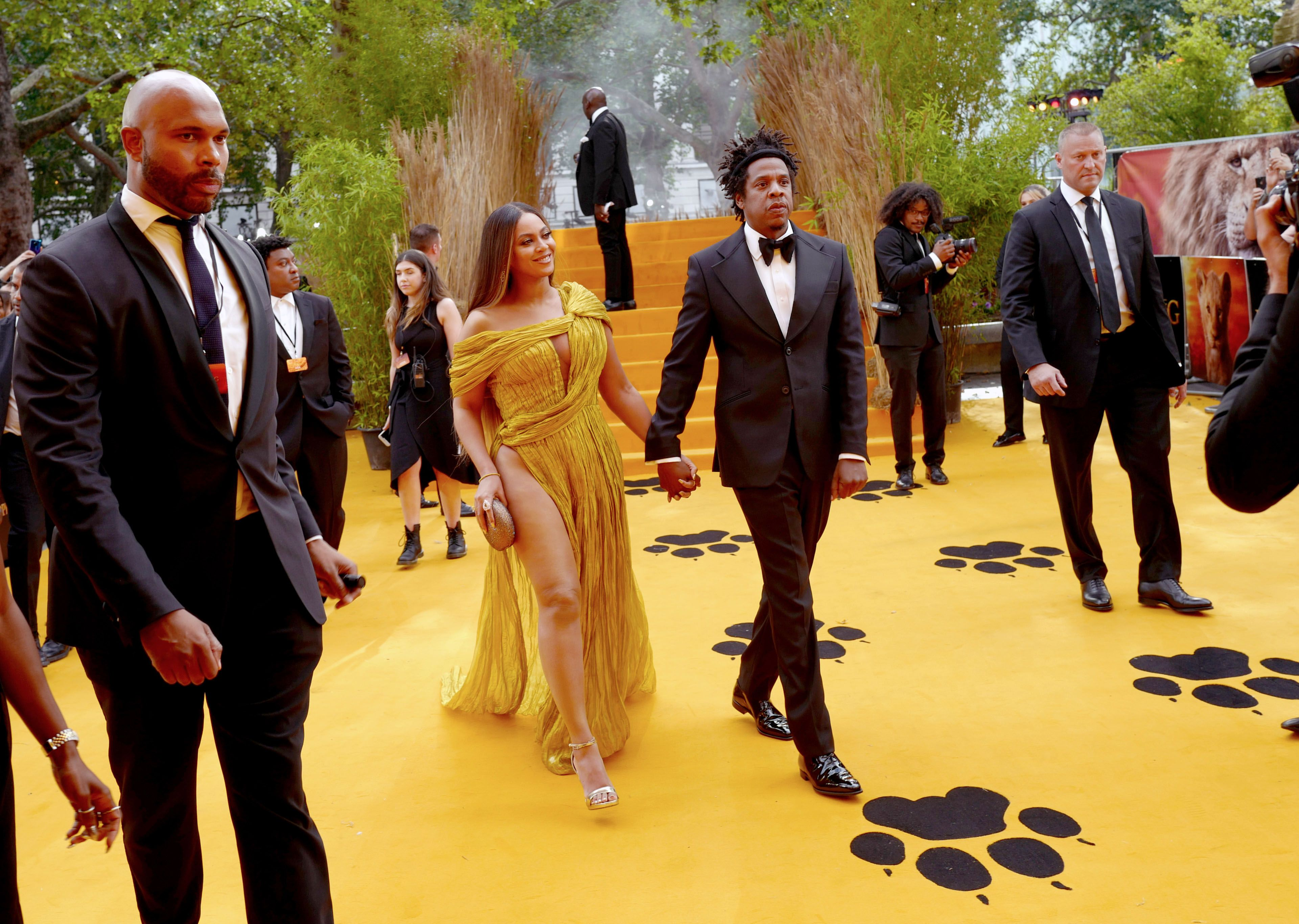 Beyoncé Wears a Gorgeous Yellow Dress with a Jaw-Dropping Leg Slit to 'The Lion King' Premiere in London